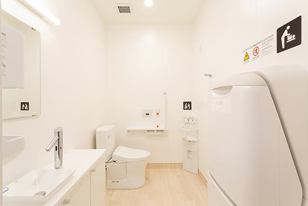 トイレ(オムツ交換台あり)